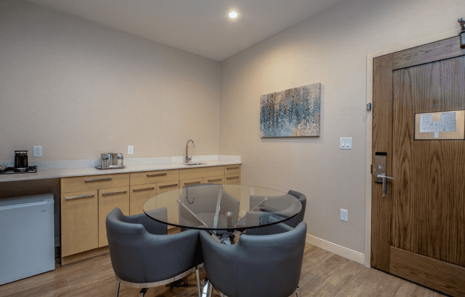 Chandler Three Room Granite Suite with seating area and dry bar